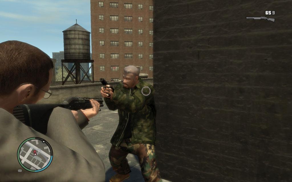 銃を持った状態で接敵した場合は、射撃ボタン(左クリック)で「銃床で殴る」ことができる。