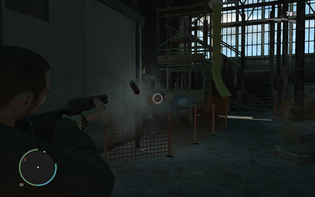 屋内は薄暗く、敵の位置を把握するのが困難だ。マズルフラッシュ(銃撃時の発光)を頼りに索敵しよう。