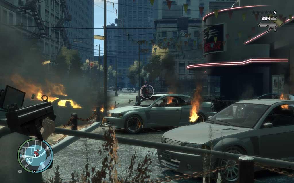投下したグレネードの爆風で炎上する展示車両。あぁ、CENTINELが燃えている・・・ もったいない、もったいない。